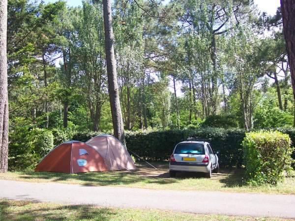 Installez votre tente sur un de nos emplacements dans notre camping