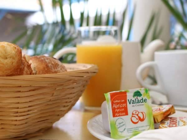 Réveillez vous avec le petit déjeuner du restaurant le Villa Cisnéros